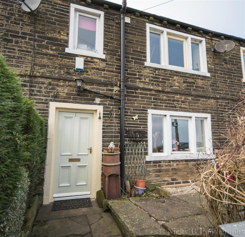 2 Bedrooms Cottage House for sale in Long Row, Thornton, Bradford, BD13 3QY
