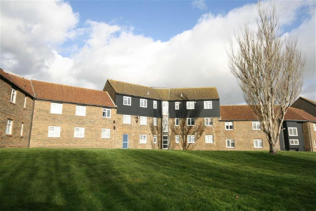 2 Bedrooms Flat for sale in Cavendish House, Collingwood Close, Peacehaven