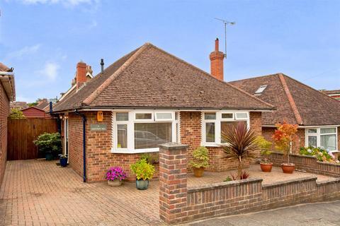 2 bedroom detached bungalow for sale - Highview Way, Patcham, Brighton