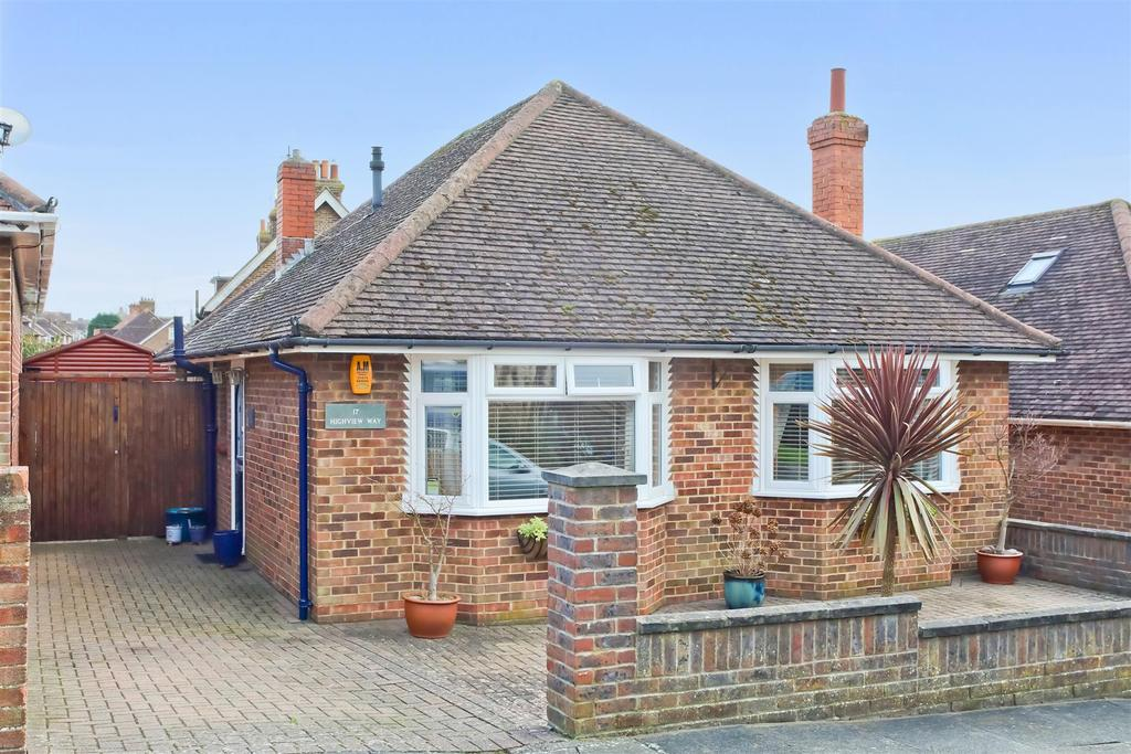 2 Bedrooms Detached Bungalow for sale in Highview Way, Patcham, Brighton