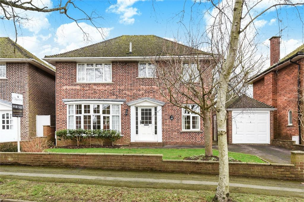 4 Bedrooms Detached House for sale in Scantabout Avenue, Chandler's Ford, Hampshire