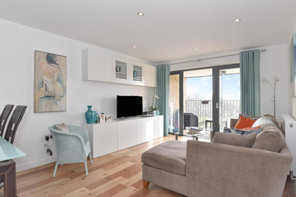 2 Bedrooms Flat for sale in Cowley Road, Oval