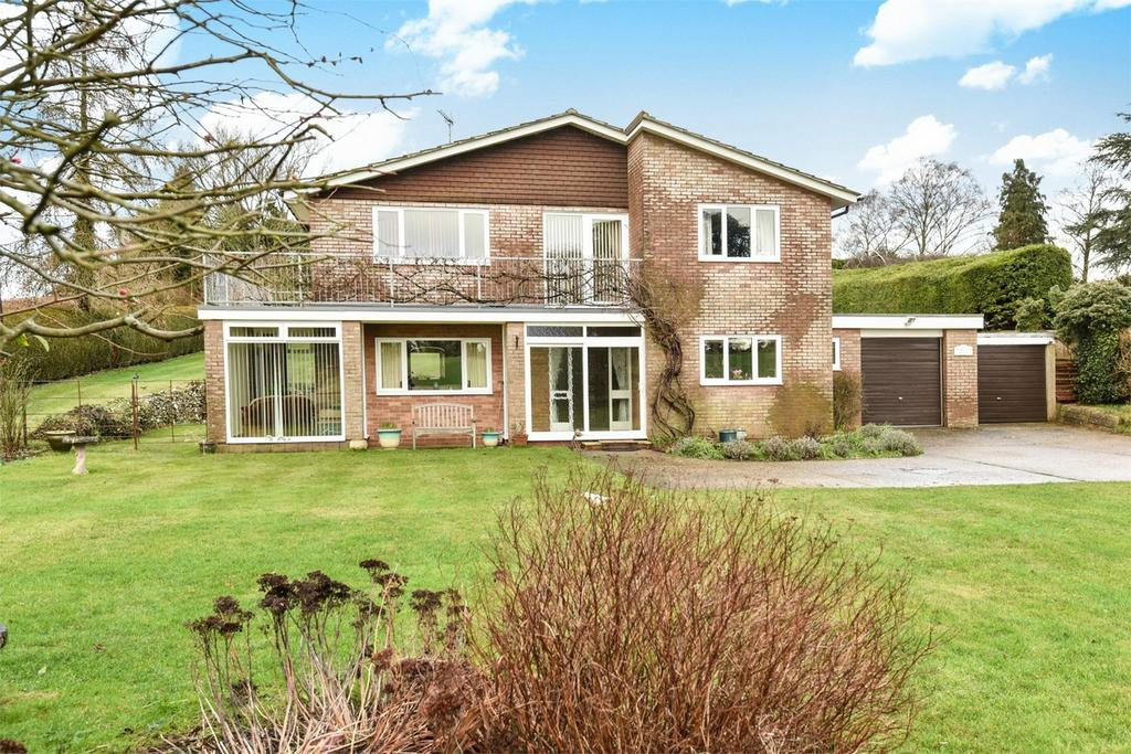 4 Bedrooms Detached House for sale in Ropley, Alresford, Hampshire