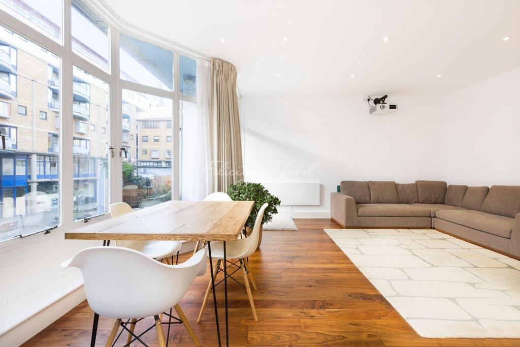 2 Bedrooms Flat for sale in Compass Court, Shad Thames, SE1