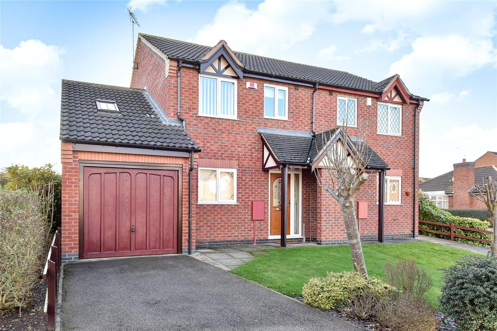3 Bedrooms Semi Detached House for sale in Moortown Close, Grantham, NG31