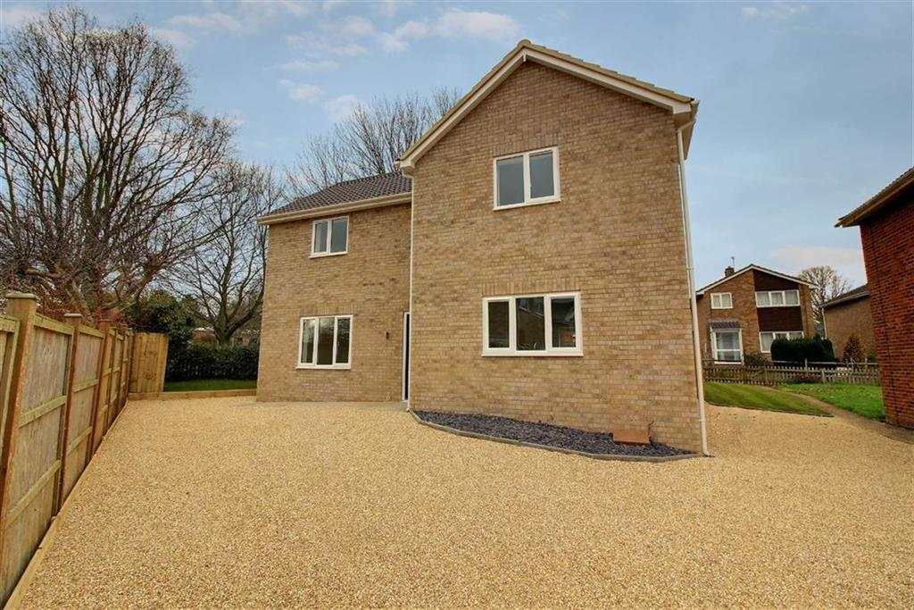 4 Bedrooms Detached House for sale in The Beagles, Cashes Green, Gloucestershire