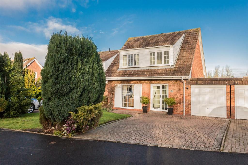 3 Bedrooms Link Detached House for sale in Charlecote Close, Ipsley, Redditch