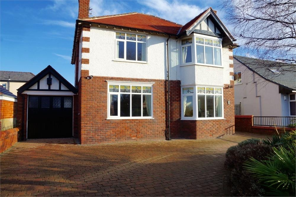 4 Bedrooms Detached House for sale in St Patricks Road North, St. Annes, Lancashire