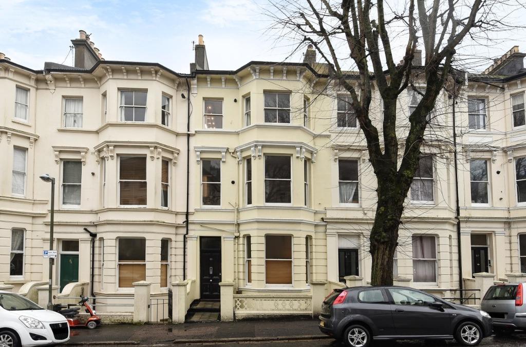 3 Bedrooms Flat for sale in Buckingham Road Brighton East Sussex BN1