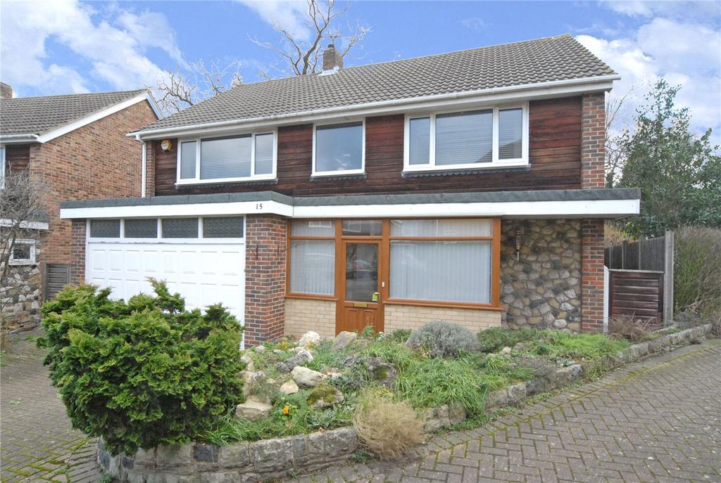 4 Bedrooms Detached House for sale in Quernmore Close, Bromley, BR1