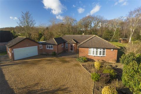 4 bedroom detached bungalow for sale - Woodland Way, Canterbury, Kent