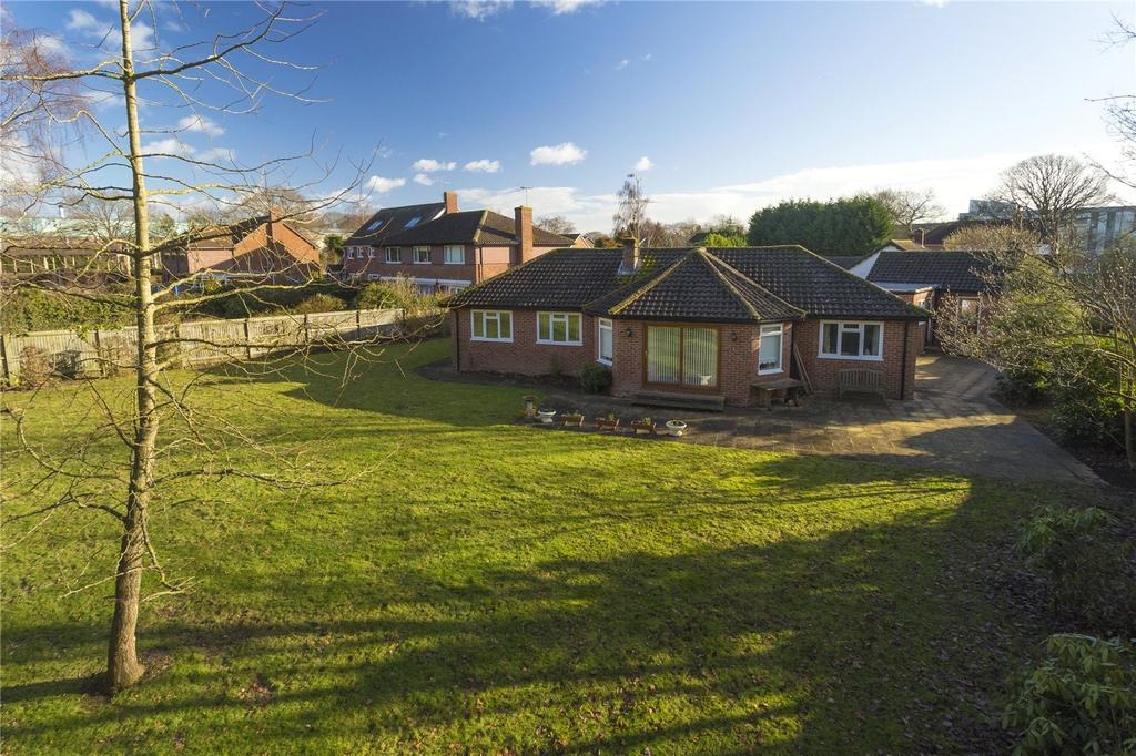 4 Bedrooms Detached Bungalow for sale in Woodland Way, Canterbury, Kent