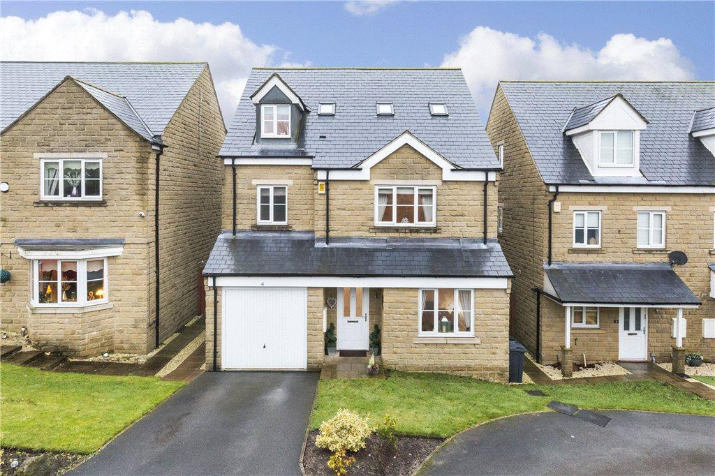 5 Bedrooms Detached House for sale in Birkshead Drive, Wilsden, West Yorkshire