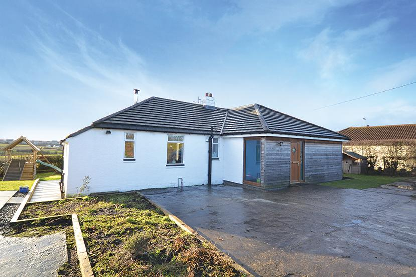 3 Bedrooms Detached House for sale in 3 Greenhill Holding, Kilmarnock, KA2 0EG