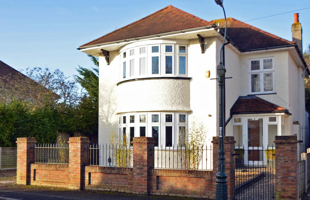 3 Bedrooms Detached House for sale in Bower Road, Queens Park, Bournemouth, BH8