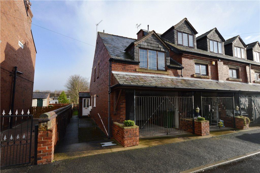 3 Bedrooms Town House for sale in Chappel Mews, Edward Street, Normanton, West Yorkshire