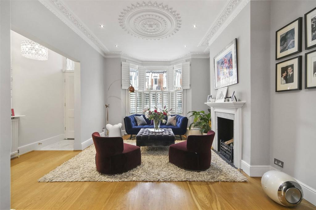 4 Bedrooms Terraced House for sale in Hartismere Road, Fulham, London