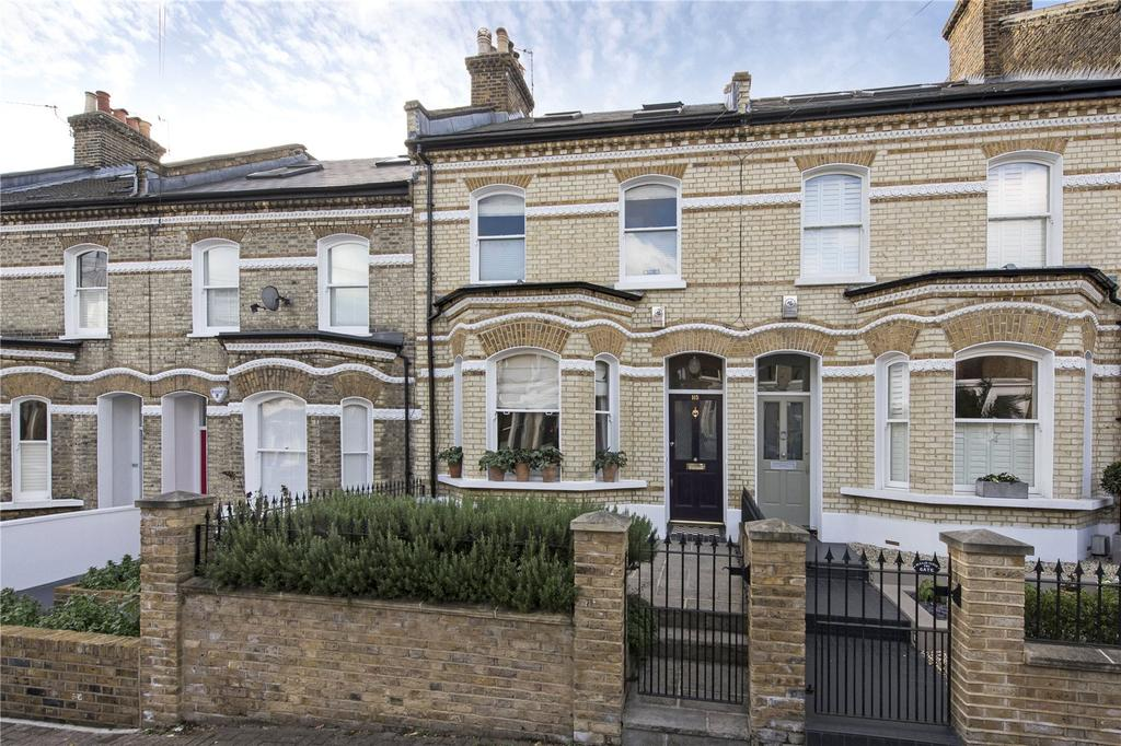 4 Bedrooms Terraced House for rent in Ramsden Road, London, SW12