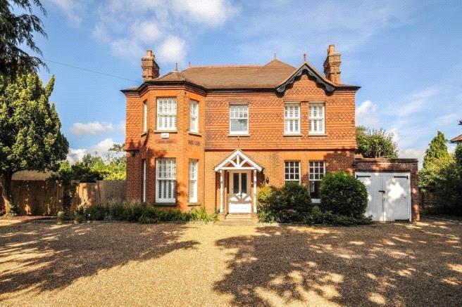 4 Bedrooms Detached House for rent in Westfield Road, Woking, Surrey, GU22