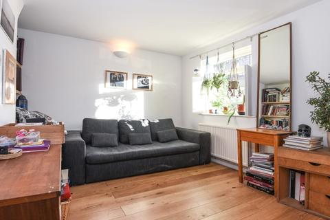 3 bedroom house to rent - Mornington Road Deptford SE8