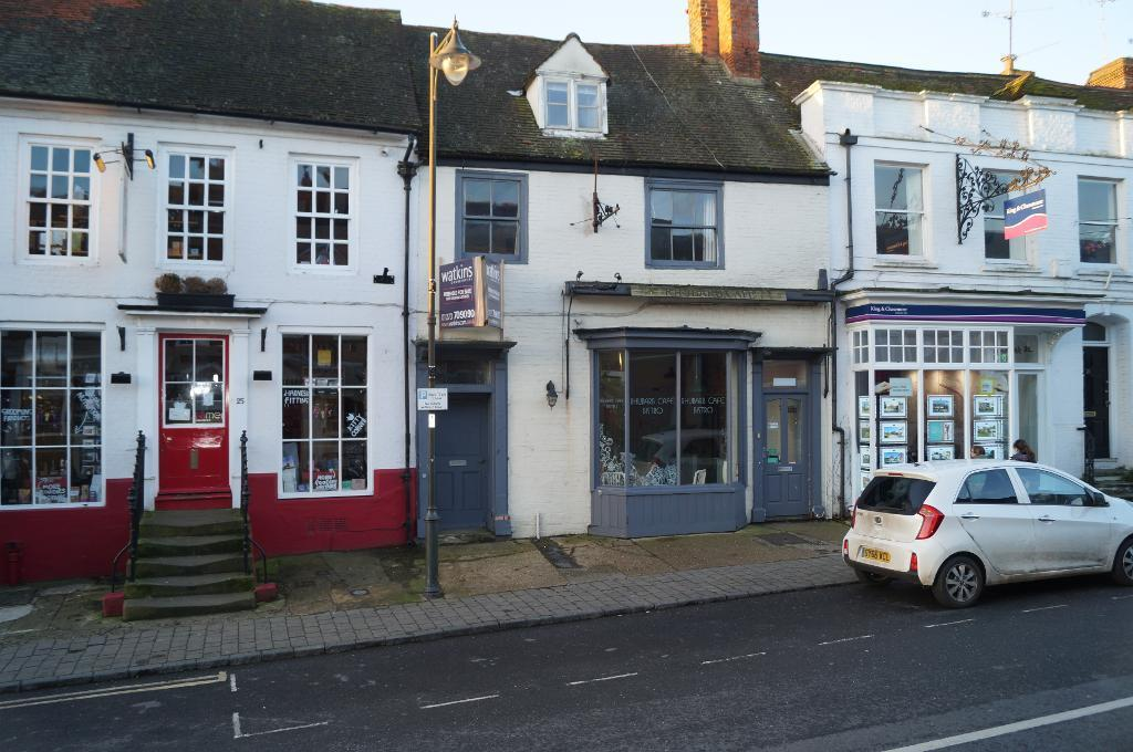 2 Bedrooms Terraced House for sale in High Street, Steyning, West Sussex, BN44 3YE