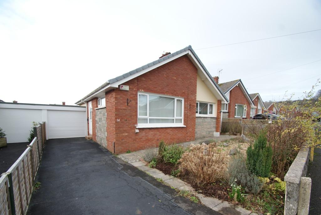 2 Bedrooms Detached Bungalow for sale in Meadow Close, Kingskerswell