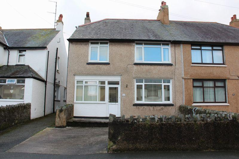 4 Bedrooms Semi Detached House for sale in Min Y Mor Road, Holyhead
