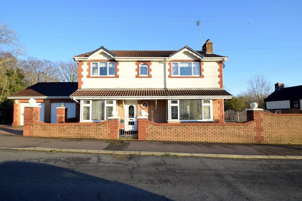 4 Bedrooms Detached House for sale in River Row House, Bryn Road, Brynmenyn, Bridgend, Bridgend County Borough, CF32 9LA.
