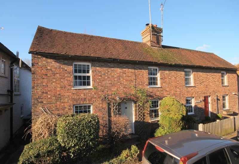3 Bedrooms Semi Detached House for sale in High Street, Ardingly, West Sussex