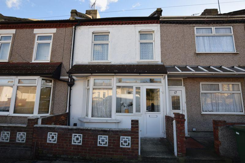 2 Bedrooms Terraced House for sale in White Hart Road, Plumstead, SE18 1DF