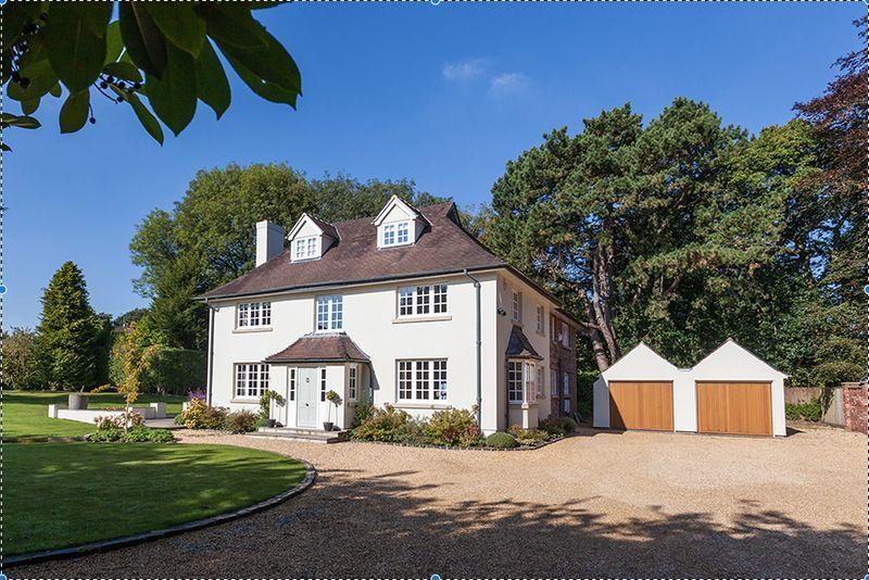 5 Bedrooms Detached House for sale in Stunning refurbished house in Knutsford