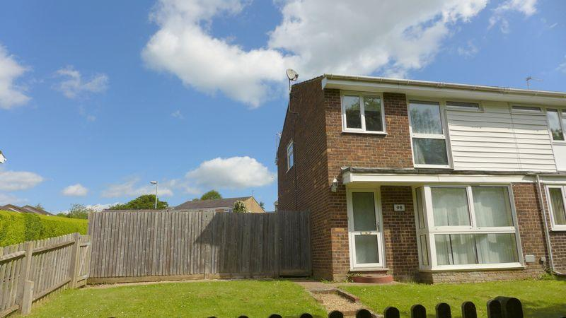 3 Bedrooms Semi Detached House for rent in Streatfield Road, Uckfield