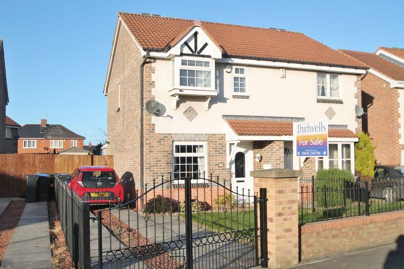 3 Bedrooms Semi Detached House for sale in Hanson Grove, Middlesbrough
