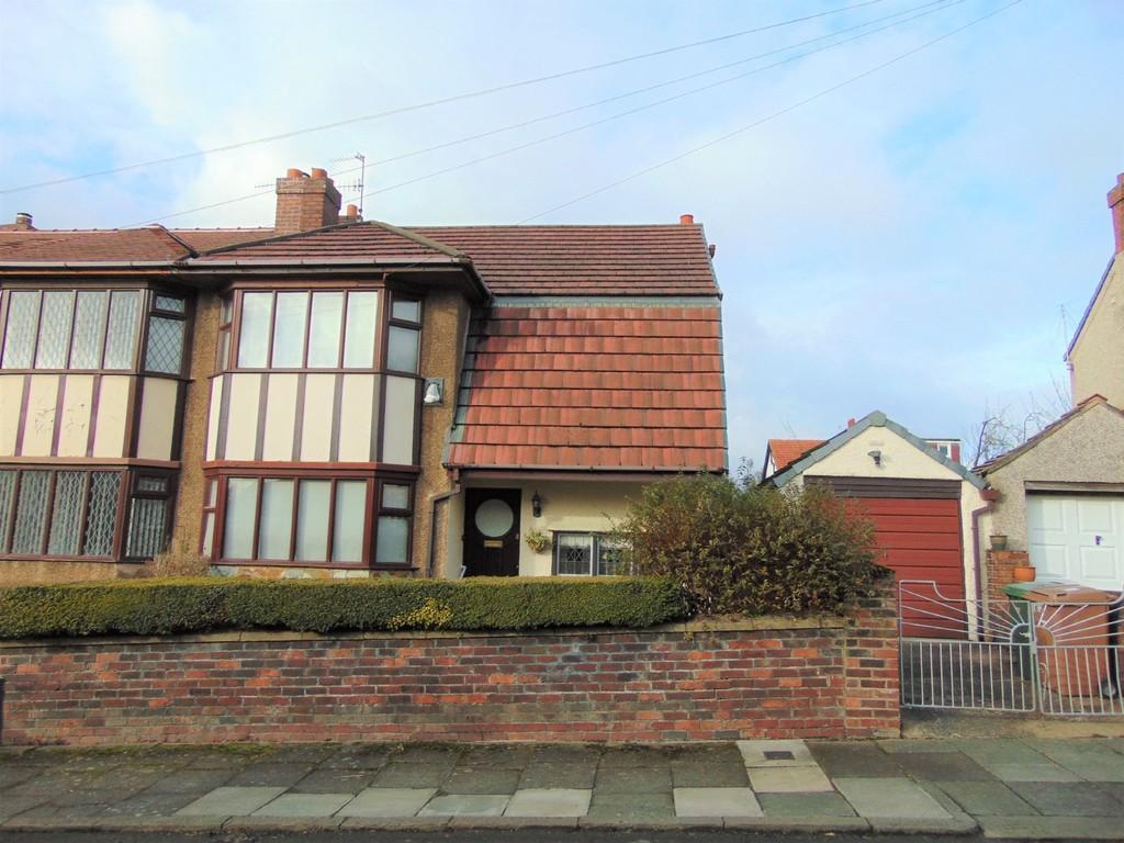 3 Bedrooms Semi Detached House for rent in Hurst Bank, Bebington