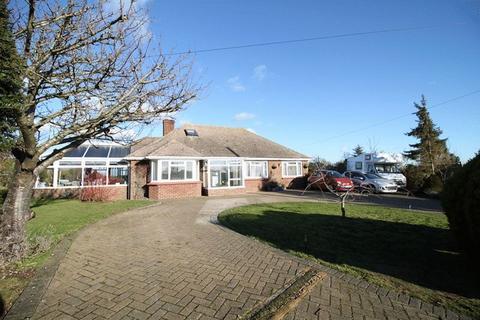 4 bedroom detached house for sale - Downs Road, East Studdal