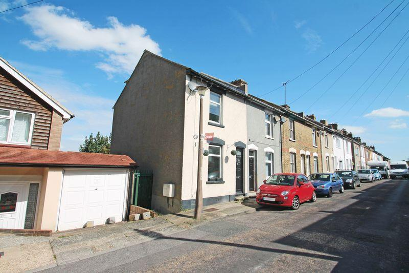 3 Bedrooms Terraced House for sale in Sidney Road, Rochester