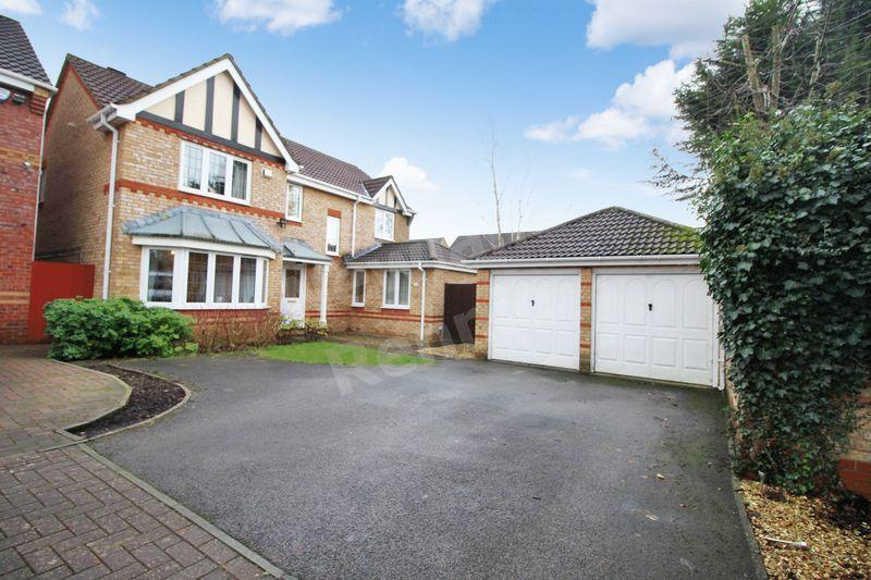 4 Bedrooms Detached House for sale in Priory Way, Langstone, Newport