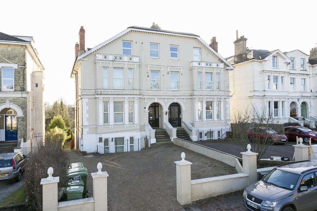 2 Bedrooms Apartment Flat for sale in Queens Road, Tunbridge Wells