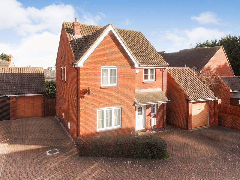 4 Bedrooms Detached House for sale in The Rickyard, Lower Shelton
