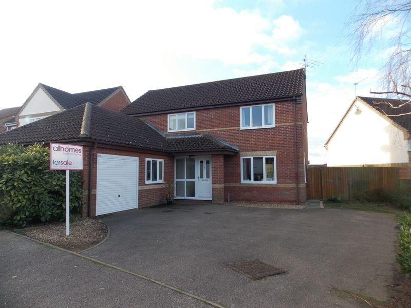 4 Bedrooms Detached House for sale in Wren Close, Thurston