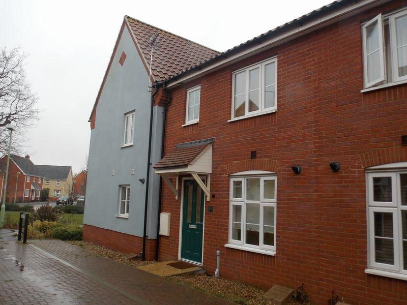 3 Bedrooms Terraced House for sale in Blake Walk, Bury St Edmunds