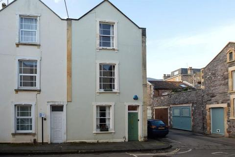4 bedroom terraced house for sale - Thorndale, Clifton