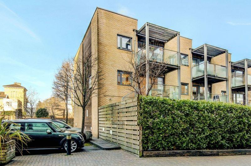 4 Bedrooms Terraced House for sale in Chapter Walk, Redland
