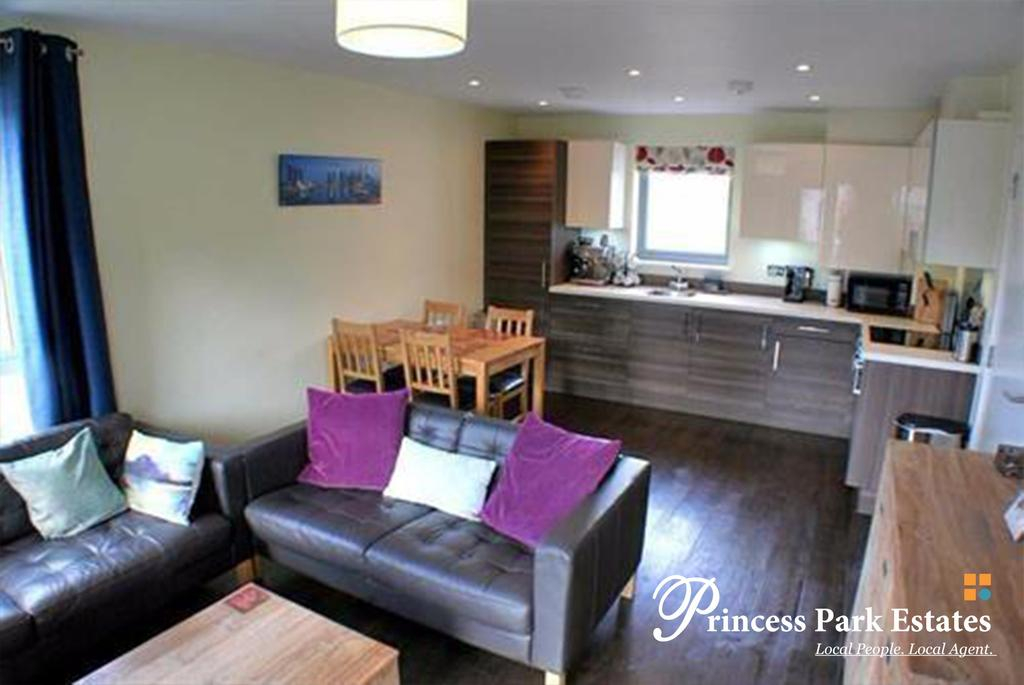 2 Bedrooms Apartment Flat for sale in Coney Hatch Lane, London N11