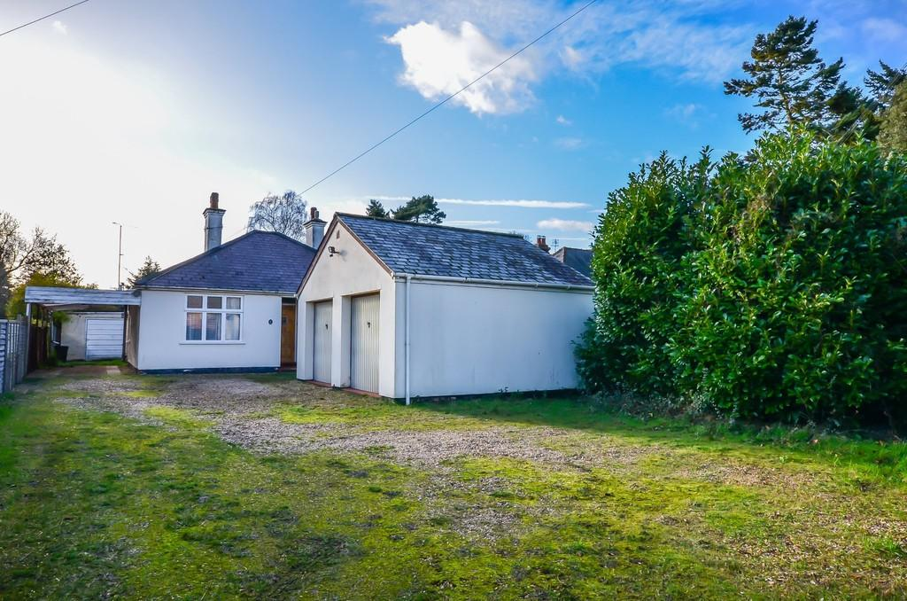 2 Bedrooms Detached Bungalow for sale in Cambridge Road, Girton