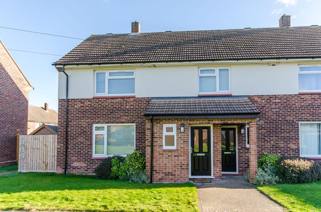 3 Bedrooms Semi Detached House for sale in Dowding Avenue, Waterbeach