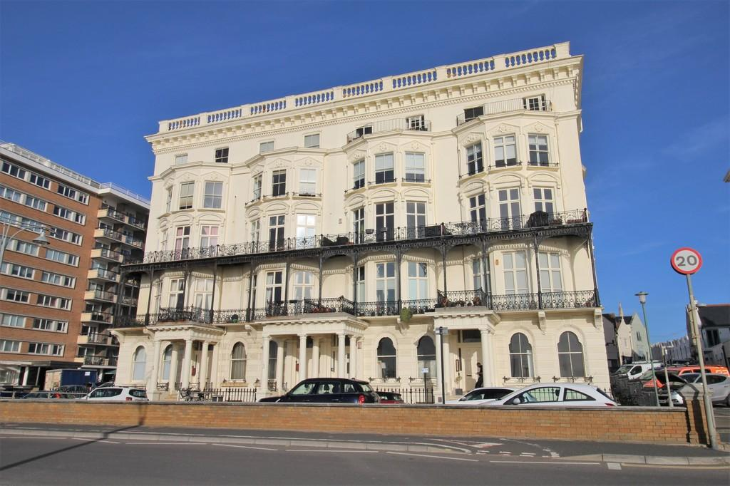1 Bedroom Flat for sale in Adelaide Mansions, Hove