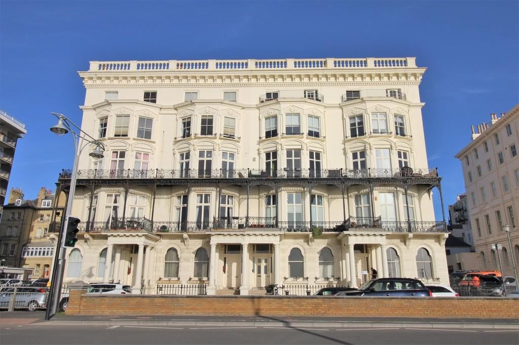 Adelaide Mansions Hove Bn3 2fd 1 Bed Flat 163 295 000