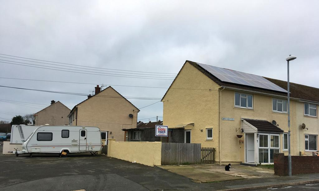 4 Bedrooms End Of Terrace House for sale in Stop And Call, Goodwick