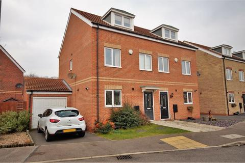 3 bedroom semi-detached house for sale - Ivywood Close, Lincoln